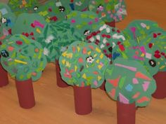 Squish Preschool Ideas:  Color Green- Trees, Grass & Frogs
