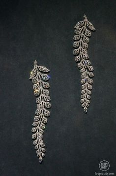 Cartier. Two so-called fern spray brooches, 1903, platinum, diamonds @GrandPalais Antique Jewelry.