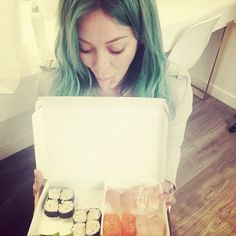 """Pin for Later: This Week's Cutest Celebrity Candids  Hilary Duff joked about her green hair by saying, """"Mermaids luuh sush."""""""