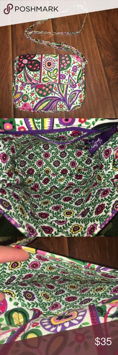 Authentic Vera Bradley cross body purse gently used, clean, the strap has minor discoloration (pictured) if you want to see any more pictures just let me know 😊 Vera Bradley Bags Crossbody Bags