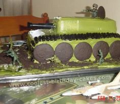 Take a look at the coolest Army Tank birthday cake picture gallery. You'll also find loads of homemade cake ideas and DIY birthday cake inspiration. Army Birthday Cakes, Homemade Birthday Cakes, Cool Birthday Cakes, Birthday Cake Girls, Homemade Cakes, Homemade Things, Birthday Ideas, Army Tank Cake, Army Cake