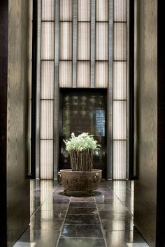 Honestly, EVERYTHING I've seen from Cachet Hotel Groups Interior Design Team is simply breathtaking. Lobby Interior, Luxury Interior, Interior Architecture, Interior Design, Interior Ideas, Modern Hotel Lobby, Hotel Lobby Design, Ikebana, Arquitetura