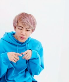 Can you believe that this is my favorite hair color on Jin? That blue sweater really matches well~