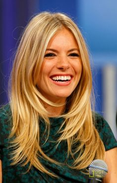 37 super ideas for hair cuts long fringe sienna miller - Hair Bangs Layered Haircuts For Women, Trendy Haircuts, Great Hair, Hair Today, Hair Lengths, New Hair, Cool Hairstyles, Layered Hairstyles, Middle Part Hairstyles