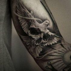 Skull and dove tattoo Kenji Mizumori diy tattoo images - tatto Skull Rose Tattoos, Dove Tattoos, Leg Tattoos, Body Art Tattoos, Tattoos For Guys, Chicano Tattoos, Dove Neck Tattoo, Dove And Rose Tattoo, Bicep Tattoo Men