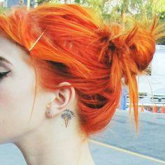 Hayley Williams' bright orange hair. GAH I WANT IT.