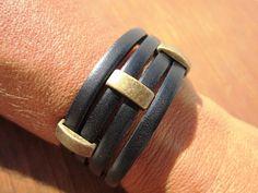 pulsera de cuero de los hombres, pulsera de bronce de los hombres, pulsera de cuero negro, joyas de bronce, joyería de cobre amarillo, pulseras artesanales, pulseras de hombre