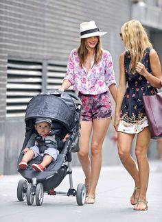 Miranda Kerr Cool Mom - Click for More...