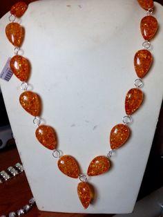 Nuova #collana in #ambra sintetica. Info@oro18.eu #oro18 #bigiotteria #bijoux  Presto su www.oro18.eu