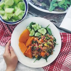 Throwback to this plate Rainbow Cous Cous (made from @thrivingonplants recipe), steam pumpkin and veg 👌🏼. Mmm craving some fresh veggies right now !! Don't get me wrong, I don't mind indulging in The different vegan foods in LA, it's just you get stick of the fatty or processed stuff after a bit and they just don't make me feel my best 🙄.  Rissallad quinoasallad Fav couscoussallad LCHQ