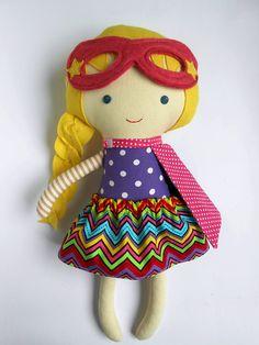 Puppen - Superhelden Stoffpuppe, superhero girl doll - ein Designerstück von LaLobaStudio bei DaWanda