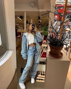 Style Fashion Tips .Style Fashion Tips Teen Fashion Outfits, Retro Outfits, Cute Casual Outfits, Look Fashion, 90s Fashion, Winter Fashion, Girl Outfits, Preteen Fashion, Skater Outfits