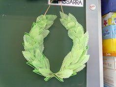 Mi grimorio escolar: UNA CORONA DE LAUREL Ancient Rome, Wicca, Presents, Culture, Laurel Wreath, Roman Empire, Drawing For Kids, Romans, Greece