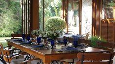 Flowers and colors. #decor #details #interior #design #casadevalentina