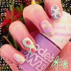 #glammani Some super quick floral nails #Glammani