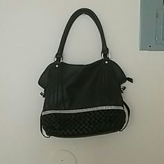 Women's handbag In great condition never used. Listed under forever 21 because it has no brand. BTW the strip is gold not silver. Forever 21 Bags Shoulder Bags