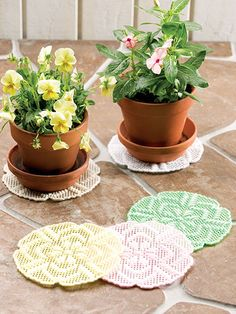 Plastic Canvas - Projects for the Home - Table & Shelf Decoration Patterns - Flowerpot Doilies