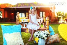cute Easter photo session idea. Laura Winslow photography