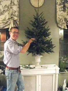 Tabletop tree in an urn -- how-to from Eddie Ross