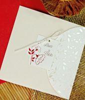Invitacion de boda low cost para anunciar tu boda, en color crema  tamaño 15x15