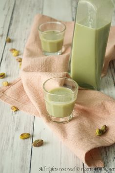 Coffee Photography, Limoncello, Glass Of Milk, Smoothie, Panna Cotta, Food And Drink, Drinks, Sweet, Ethnic Recipes