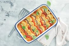 Retete Zucchini Aubergine, Ratatouille, Vegan Recipes, Vegan Food, Quiche, Breakfast, Ethnic Recipes, Gratin, Dried Tomatoes