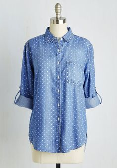 Chambray Ole Top. Give a little spice to any day with this sweetly spotted button up! #blue #modcloth