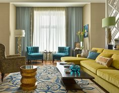 18 Ideas Living Room Modern Yellow Pillows For 2019 Living Room Decor Orange, Blue Couch Living Room, Living Room Decor Traditional, Living Room Paint, Living Room Colors, Rugs In Living Room, Living Room Modern, Living Room Interior, Decoration