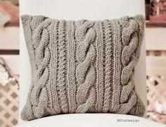 knitted pillow cover / poszewka na poduszkę MFouDesign