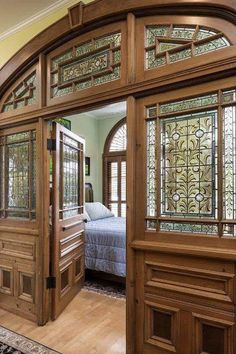 ideas old stained glass door home for 2019 Victorian Interiors, Victorian Homes, Victorian Decor, Stained Glass Door, Mansions For Sale, Dream Rooms, Historic Homes, Old Houses, Abandoned Houses