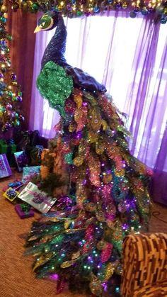 peacock christmas trees | via perfectly peacocky