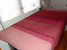 Marsan Tekeleet: Poppanat: Iso pöytäliina Iso, Weaving, Rugs, Home Decor, Farmhouse Rugs, Decoration Home, Room Decor, Loom Weaving, Crocheting