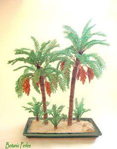 Palmiers dattiers en perles de rocaille, soucoupe verte