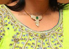 Jewellery Designs: Very Simple Pretty Diamond Locket