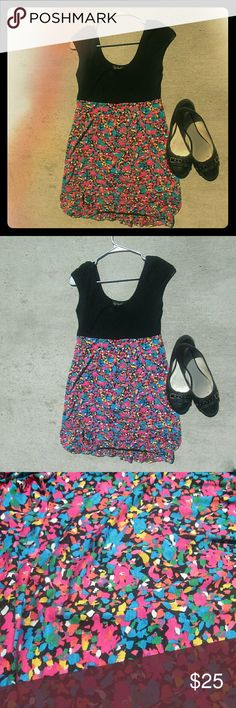 Topshop Bubble Hem Abstract Spring Dress Size 6 A Topshop bubble hem dress in size 6. The top is black and the bottom is an abstract pattern in Spring/candy colors.     *SHOES NOT INCLUDED* Topshop Dresses Mini