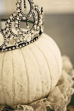 Seriously a pumpkin with a crown! Oh yeah I had to pin this! Anyone who really knows me will understand. :)