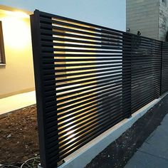 Zaunideen Truly a super fence, our Magnus. This aluminum garden fence flatteringly frames your home Modern Fence Design, Timber Roof, Aluminum Fence, Fence Gate, Garden Trellis, Irrigation, Vegetable Garden, Best Sellers, Pergola