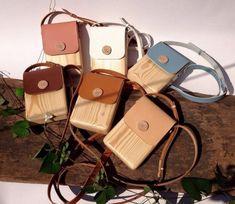 57a86f622 Artículos similares a Bolsa de madera natural de pino | iPhone bolsa |  Woodbag | Monedero