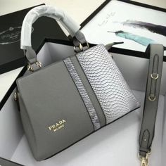 Welcome to Hnadbags . Here you will discover luxury bags, pretty handbags, funky Here you will uncover luxury totes, Here you will find luxury purses designer, Here you will uncover luxury totes. Unique Handbags, Fall Handbags, Popular Handbags, Trendy Handbags, Cute Handbags, Handbags Online, Chanel Handbags, Fashion Handbags, Purses And Handbags