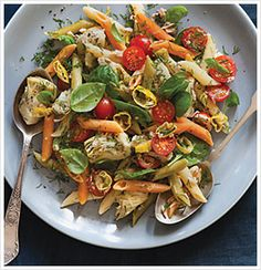 TRI-COLOR PASTA WITH TUNA, SPINACH AND ARTICHOKE HEARTS - The Eat-Clean Diet®