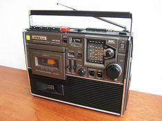 Quality portable audio video with free worldwide shipping on AliExpress Radio Antigua, Retro Radios, Transistor Radio, Tape Recorder, Hifi Audio, Boombox, Ham Radio, Audio Equipment, Vintage
