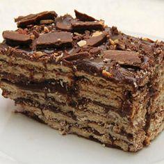 Receita de Bolo Russo Gelado - A Mais Famosa - 10 unidades de ovo com clara e gema separadas, 10 colheres (sopa) de açúcar refinado, 10 colheres (sopa) de f... Brownie Cupcakes, Cake Cookies, Bolo Russo, Chocolates, Blondie Cake, Danishes, Cake Gallery, Blondies, Baking Recipes