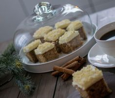 Gingerbread cake with frosting