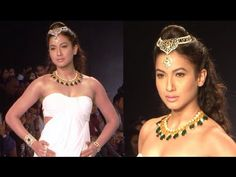 Gauhar Khan's GLAMOROUS ramp walk @ IIJW Fashion Show 2014 Day 1.
