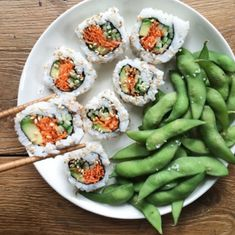 Veggie sushi shared by Abby on We Heart It food, healthy, and vegan image I Love Food, Good Food, Yummy Food, Tasty, Healthy Snacks, Healthy Eating, Healthy Recipes, Veggie Sushi, Sushi Lunch