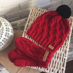 Тоже на сайте  svetlanaselivanova.ru #svetlanaselivanova #knitting #handmade Cable Knit Hat, Knit Beanie Hat, Knitting Patterns, Sewing Patterns, Crochet Patterns, Crochet Kids Hats, Knitted Hats, Wire Crochet, Knit Crochet