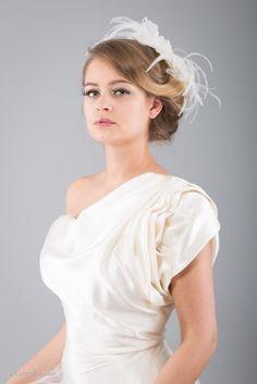 Seid ihr auf der Suche nach einer bezaubernden Frisur für den großen Tag? Wir zeigen euch die schönsten Brautfrisuren 2017! Von...
