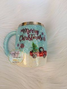 Snow globe glitter coffee mug or tumbler - Cool cups - Coffee Christmas Tumblers, Christmas Mugs, Vinyl Tumblers, Custom Tumblers, Glitter Cups, Glitter Tumblers, Thermos, Tumblr Cup, Custom Cups