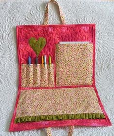 Adorable activity bag tutorial from Geta's Quilting Studio, great for car rides and church.
