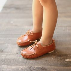 amazing handmade leather children's shoes - Zoë will be needing these.  To be worn with cute shorts and a crisp white polo :)